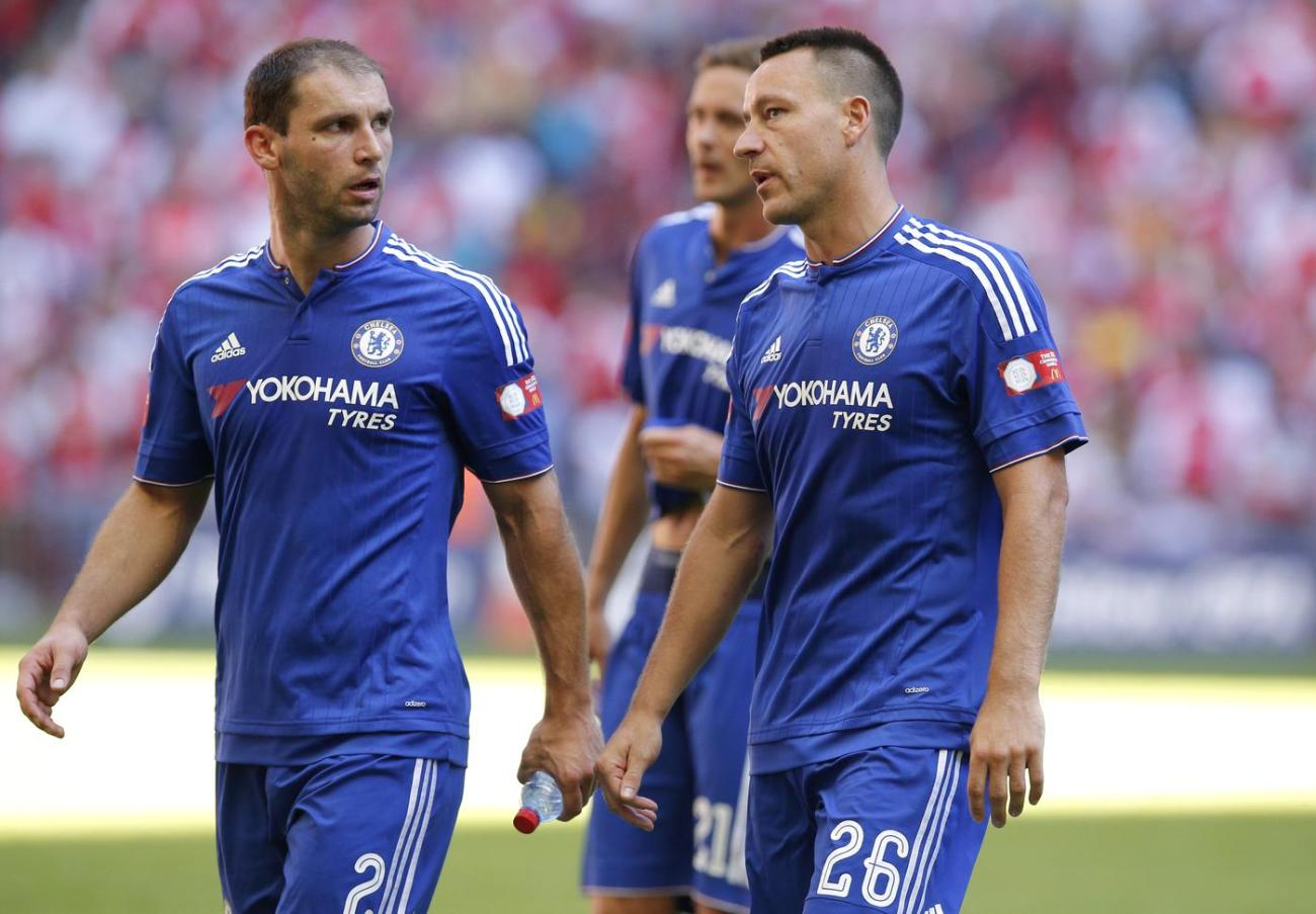 chelseas-john-terry-and-branislav-ivanovic-look-dejected-at-the-end-of-the-match1